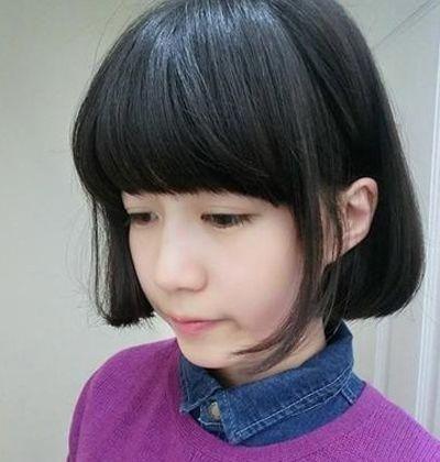 [方脸女生适合的刘海]方脸女生适合的发型_快乐小方脸